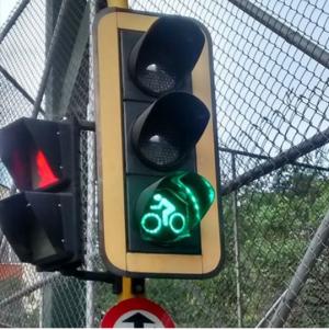 Foto de la cuenta de Instagram @zateliteoficial artista y activista del ciclimo urbano enMedellín.